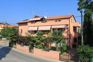 Property Zambratija (Umag) - Accommodation 6998 - Apartments near sea with sandy beach.