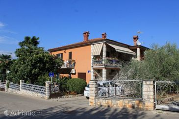 Property Umag (Umag) - Accommodation 7039 - Apartments with sandy beach.