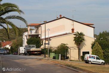 Property Vrsar (Poreč) - Accommodation 7044 - Apartments with pebble beach.