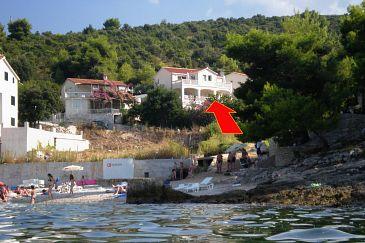 Obiekt Postira (Brač) - Zakwaterowanie 705 - Apartamenty blisko morza ze żwirową plażą.