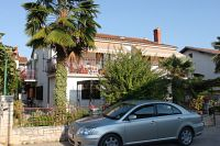 Apartments with a parking space Novigrad - 7054