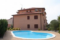 Apartments with a swimming pool Novigrad - 7078