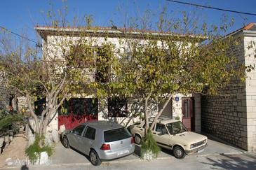 Property Povlja (Brač) - Accommodation 711 - Apartments near sea.