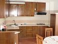 Kitchen - Apartment A-7132-b - Apartments and Rooms Umag (Umag) - 7132