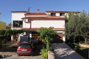 Property Fažana (Fažana) - Accommodation 7153 - Apartments with pebble beach.