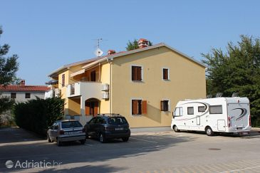 Property Đuba (Umag) - Accommodation 7161 - Apartments with rocky beach.