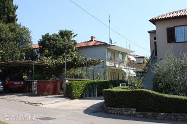 Property Umag (Umag) - Accommodation 7164 - Apartments with sandy beach.