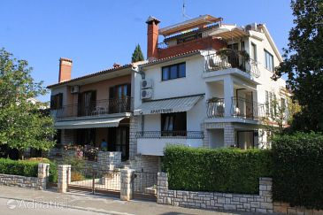 Property Rovinj (Rovinj) - Accommodation 7174 - Apartments with pebble beach.