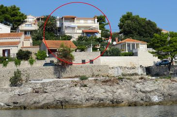 Property Puntinak (Brač) - Accommodation 718 - Apartments near sea with rocky beach.