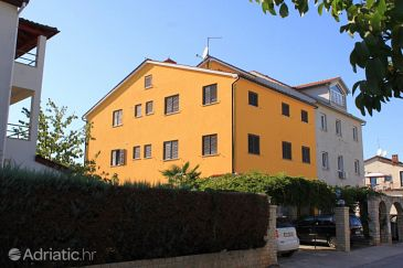Property Fažana (Fažana) - Accommodation 7234 - Apartments with pebble beach.