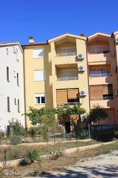 Property Štinjan (Pula) - Accommodation 7246 - Apartments with pebble beach.