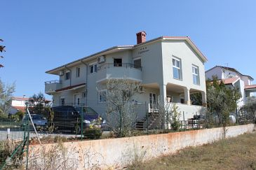 Property Fažana (Fažana) - Accommodation 7252 - Apartments with pebble beach.