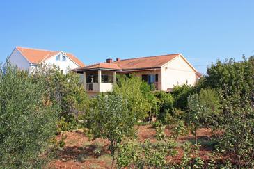 Obiekt Mirca (Brač) - Zakwaterowanie 726 - Apartamenty blisko morza ze żwirową plażą.