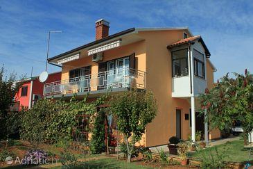 Property Valbandon (Fažana) - Accommodation 7273 - Apartments with pebble beach.