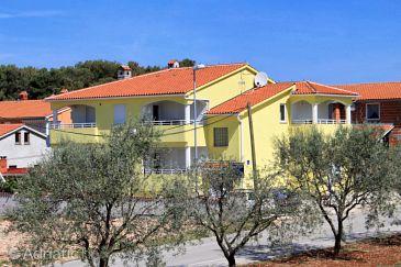 Fažana, Fažana, Property 7302 - Apartments with pebble beach.