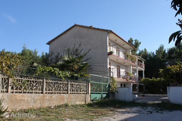 Property Pula (Pula) - Accommodation 7313 - Apartments with rocky beach.