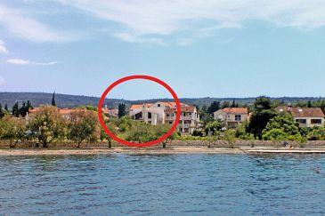 Mirca, Brač, Property 732 - Apartments blizu mora with pebble beach.