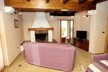 Kanfanar, Pokój dzienny 1 u smještaju tipa house, dostupna klima i WIFI.