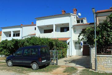 Obiekt Valbandon (Fažana) - Zakwaterowanie 7355 - Apartamenty ze żwirową plażą.