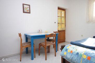 Junac, Dining room u smještaju tipa studio-apartment, dopusteni kucni ljubimci i WIFI.