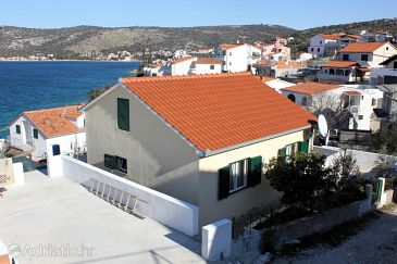 Property Ražanj (Rogoznica) - Accommodation 7485 - Apartments near sea with pebble beach.
