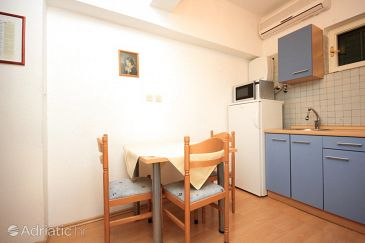 Apartment A-7519-a - Apartments and Rooms Pisak (Omiš) - 7519