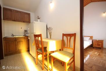 Apartment A-7533-b - Apartments Pisak (Omiš) - 7533