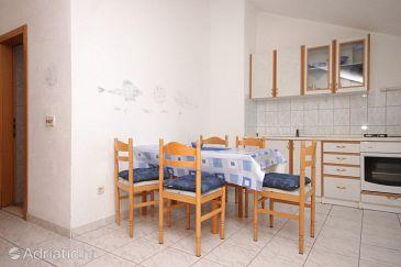 Supetar, Dining room u smještaju tipa apartment, dostupna klima i WIFI.