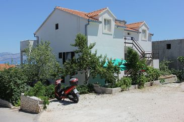 Supetar, Brač, Property 7536 - Apartments with pebble beach.