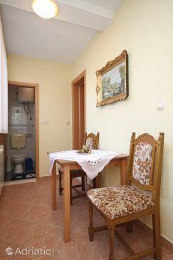 Okrug Gornji, Dining room u smještaju tipa apartment, WIFI.