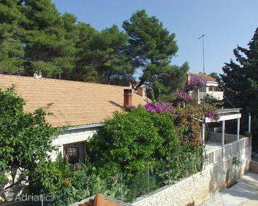 Property Sumartin (Brač) - Accommodation 758 - Apartments near sea with pebble beach.