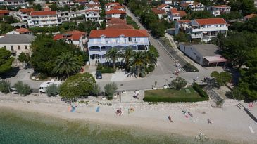 Property Zaostrog (Makarska) - Accommodation 7599 - Apartments near sea with rocky beach.