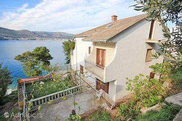 Property Okrug Donji (Čiovo) - Accommodation 7607 - Apartments near sea.