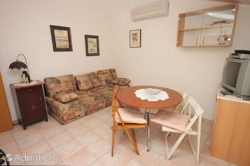 Rovinj, Jídelna u smještaju tipa apartment, dostupna klima, dopusteni kucni ljubimci i WIFI.