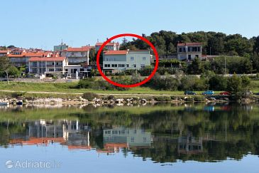 Property Pula (Pula) - Accommodation 7665 - Apartments with pebble beach.