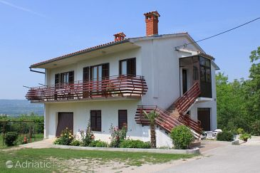 Čepić, Središnja Istra, Property 7669 - Apartments with pebble beach.