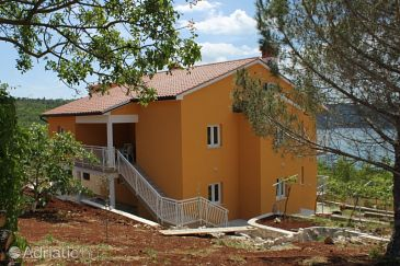Property Trget (Raša) - Accommodation 7687 - Apartments with sandy beach.