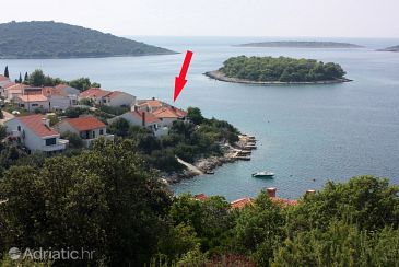 Property Maslinica (Šolta) - Accommodation 774 - Apartments near sea with rocky beach.