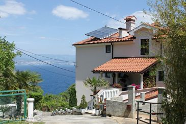 Property Kraj (Opatija) - Accommodation 7771 - Apartments with pebble beach.