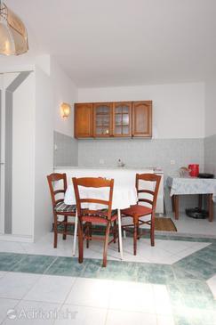 Brseč, Dining room u smještaju tipa studio-apartment, dopusteni kucni ljubimci i WIFI.