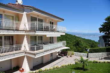 Property Poljane (Opatija) - Accommodation 7885 - Apartments with pebble beach.