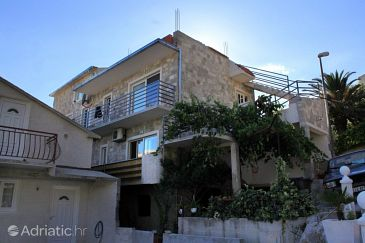 Property Brela (Makarska) - Accommodation 789 - Apartments with pebble beach.