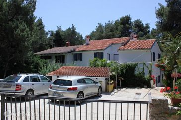 Property Artatore (Lošinj) - Accommodation 7935 - Apartments near sea with rocky beach.