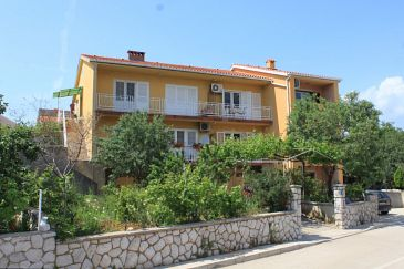Cres, Cres, Property 7994 - Apartments with pebble beach.