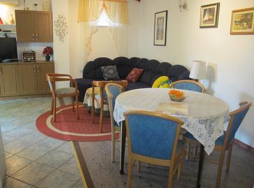 Apartment A-8002-a - Apartments Mali Lošinj (Lošinj) - 8002