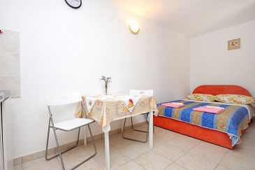 Studio AS-8081-b - Apartamenty Valun (Cres) - 8081