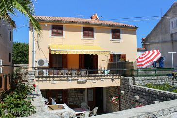 Property Osor (Lošinj) - Accommodation 8088 - Apartments near sea with pebble beach.