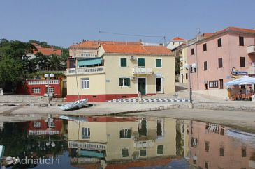 Sali, Dugi otok, Property 8118 - Apartments blizu mora with pebble beach.