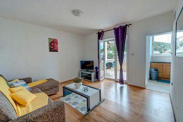Savar, Living room u smještaju tipa apartment, dostupna klima i WIFI.