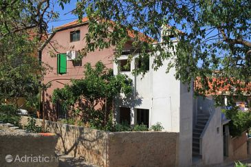 Property Sali (Dugi otok) - Accommodation 8156 - Apartments near sea with pebble beach.